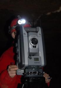 station trimble VX en station dans la grotte